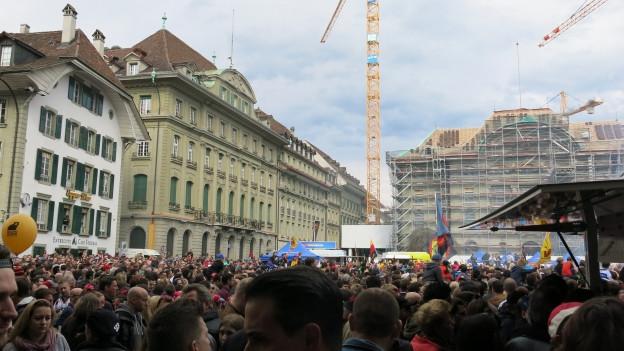 Bern feiert seinen SCB auf dem Bundesplatz