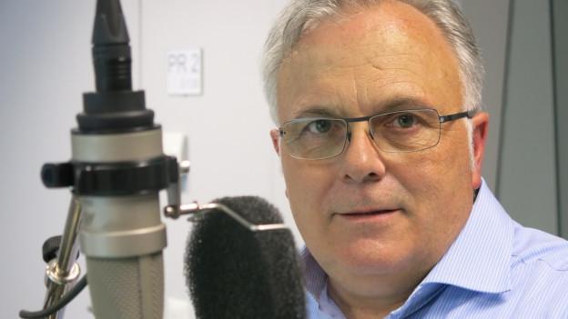 Beat Zaugg beim Gespräch im SRF-Radiostudio Bern