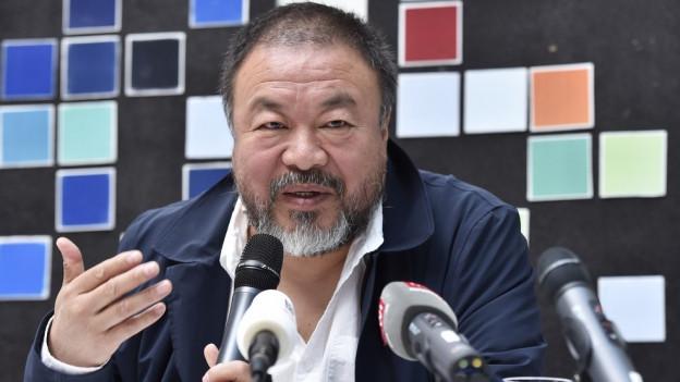 Der Künstler Ai Weiwei stellte sich den Fragen des Publikums und der Journalisten.