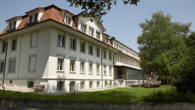 Auslöser der Diskussion: Die Schliessung der Geburtsabteilung des Spitals Riggisberg.