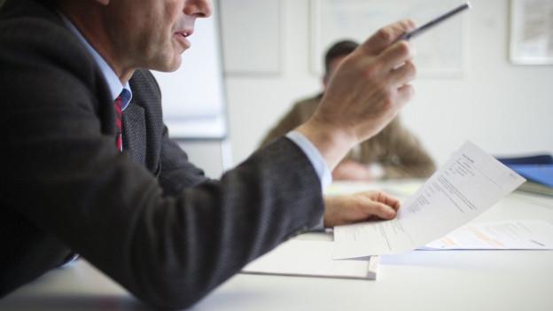 Mitarbeitende der Verwaltung sollen unabhängig arbeiten