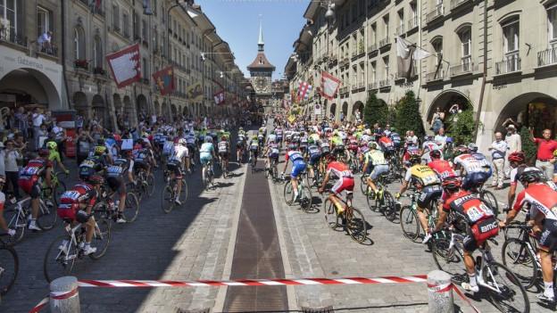 Die Tour hinterlässt eindrückliche Bilder: Fahrt durch Bern