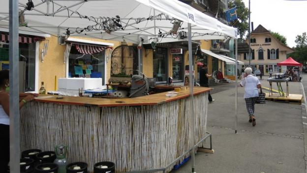 Über 70 Getränke- und Imbissstände warten auf die Besucher.