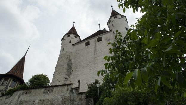 Der alte Teil des Schloss Thun, der Donjon, gehört der Stadt Thun.