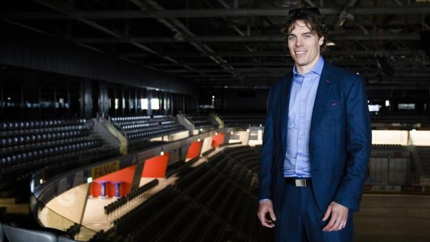 Seine neue Umgebung: Jonas Hiller in der Bieler Tissot Arena.