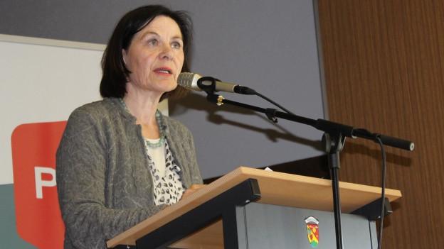 Esther Waeber-Kalbermatten am Parteitag der SP Unterwallis