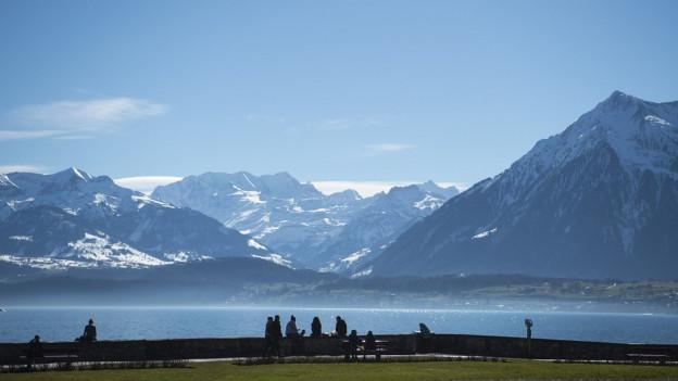 Der Fussweg mit Sicht auf See und Berge soll länger werden.