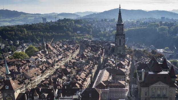 Die Berner Altstadt soll am Sonntag zur Einkaufsmeile werden.