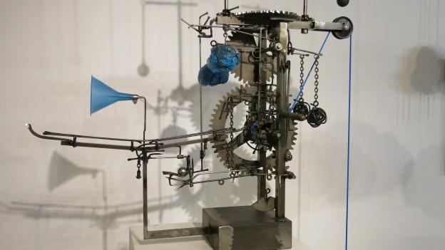 Eine Eisenplastik im Atelier von Bernhard Jordi in Worb.