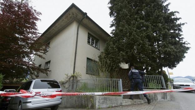 Blick auf das Haus, wo das Heimleiterpaar 2013 getötet wurde.
