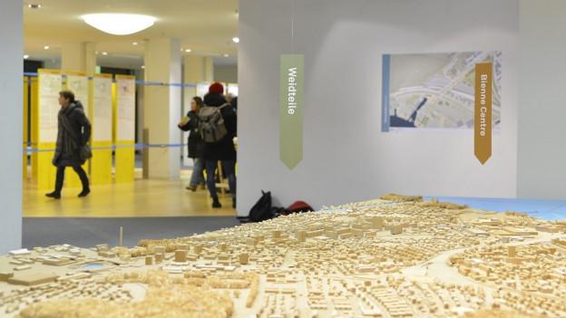 Holzmodell der Stadt Biel.
