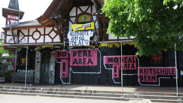 Die Stadt Bern soll im kantonalen Finanzausgleich schlechter gestellt werden, wenn sie die Reitschule weiter duldet.