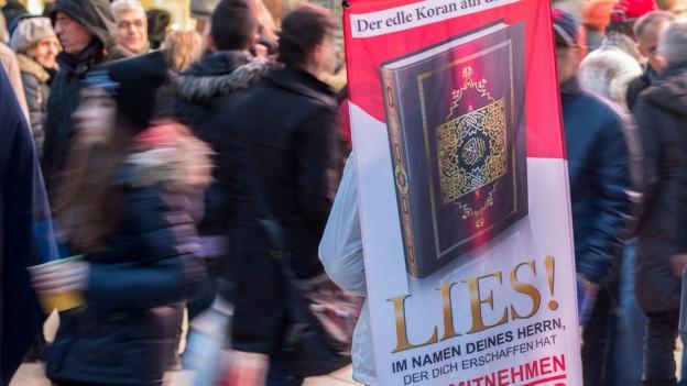Anders als hier in Deutschland bleibt «Lies!» in Bern erlaubt.