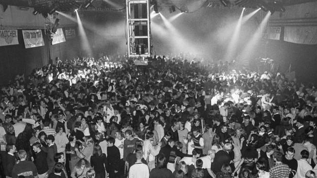 Zulauf aus der ganzen Schweiz: Silvesterparty 1997.