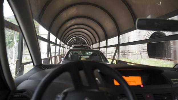 Der Autoverland verbindet Brig im Wallis mit Iselle in Italien. Er führt durch den Simplon Eisenbahntunnel.