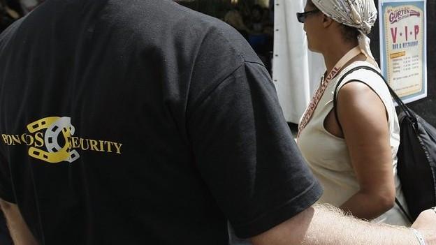 Für private Sicherheitsdienste – wie die Broncos – will der Regierungsrat ein eigenes Gesetz machen.