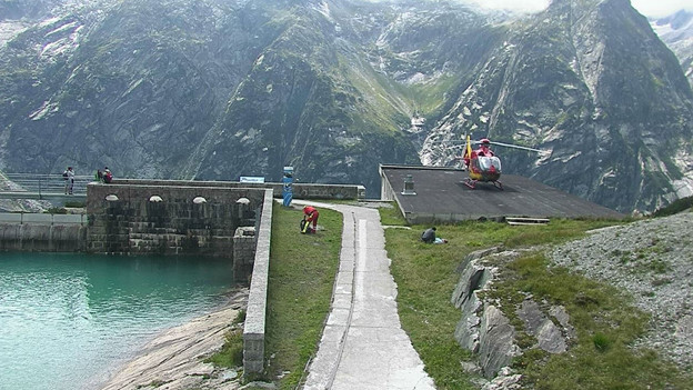 Rettungshelikopter beim Gelmersee.