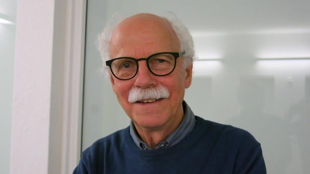16 Jahre erzählte Walter Däpp am Radio Morgengeschichten. Ende Jahr ist Schluss.