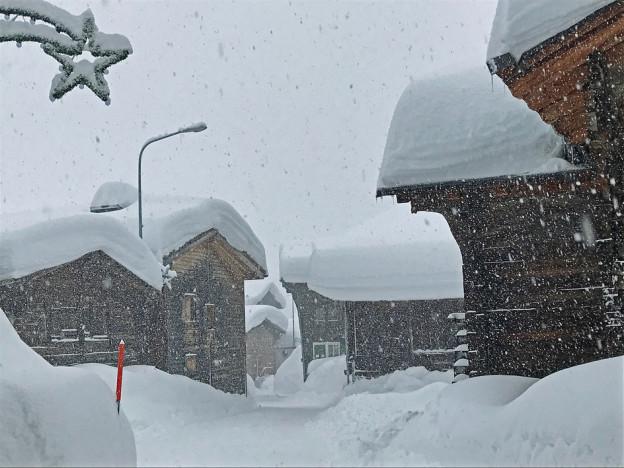 Auch in Oberwald liegt viel Schnee.