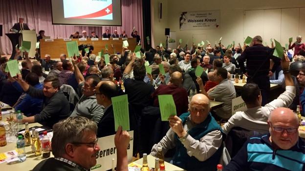 Klare Verhältnisse: Die Delegierten der Berner SVP sagen Ja zur No-Billag-Initiative.
