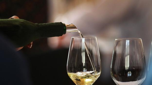 Ausländische Weine in Walliser Flaschen? Die Justiz ermittelt.