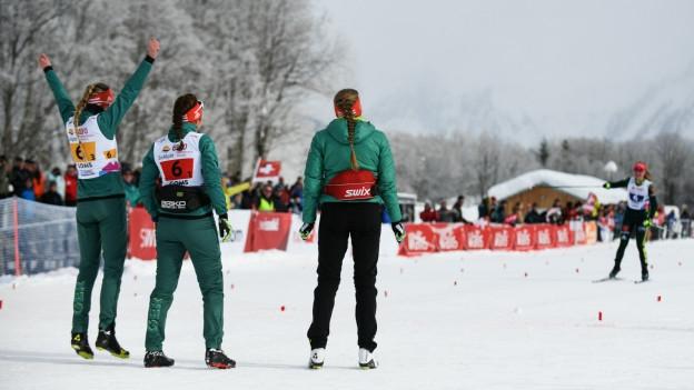 Jubelndes Langlaufteam