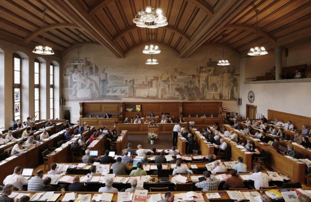 Mundarten in allen Farben prallen im bernischen Kantonsparlament aufeinander.