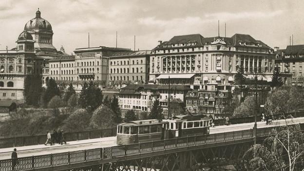Das Bellevue Palace neben dem Bundeshaus nach seiner Wiedereröffnung (undatierte Aufnahme).