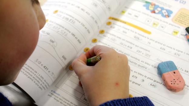Im Kanton Bern erhalten aktuell rund 2600 Kinder und Jugendliche Sonderschulbildung.