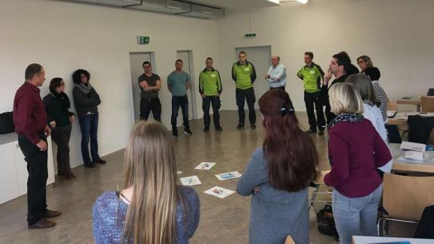 19 Angestellte der Gemeinde Münsingen werden zum Thema MAG geschult.