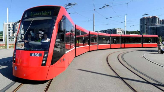 Schon die Trams Bern West (Bild) oder Bern-Ostermundigen gaben zu reden. Nun kommt eine neue Idee.