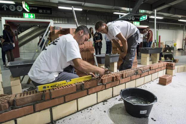 Swiss Skills 2014 in Bern: Junge Maurer zeigen ihr Können
