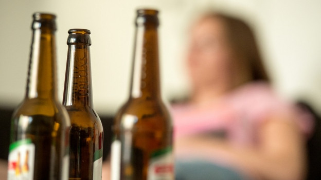 Wenn Jugendliche Alkoholprobleme haben, können sich Eltern nun Hilfe holen.