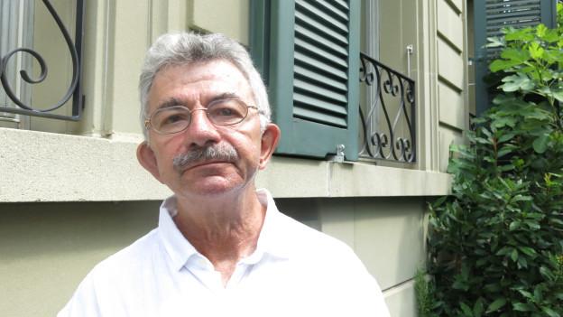 Aufgewachsen in Basel - seit 40 Jahren in Bern. Der Schriftsteller Christoph Geiser ist im Marzili daheim.