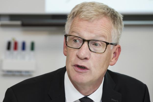 Erziehungsdirektor Jean-Pierre Siggen macht Vorschläge.