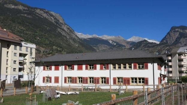 Das Kloster Brig-Glis von aussen