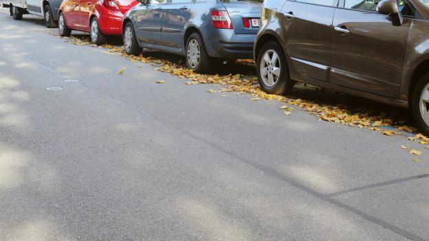 Ein normaler in der Länggasse: Wer ein Parkplatz sucht, sucht lange.