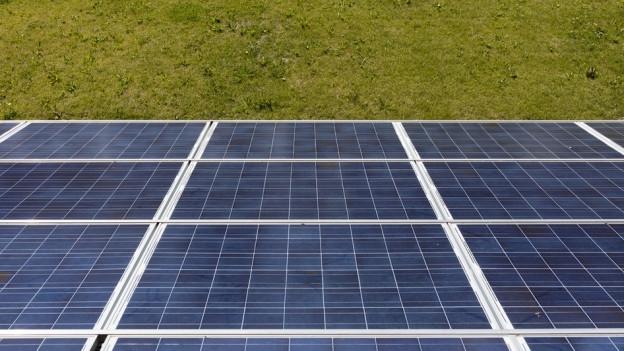 Im Kanton Freiburg werden noch viele weitere Solaranlagen montiert.