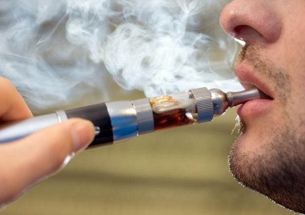 E-Zigaretten erst ab 18 im Kanton Bern.