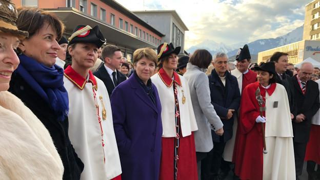Das Wallis empfängt seine neue Bundesrätin Viola Amherd, mit dabei die Vorgängerin Doris Leuthard.