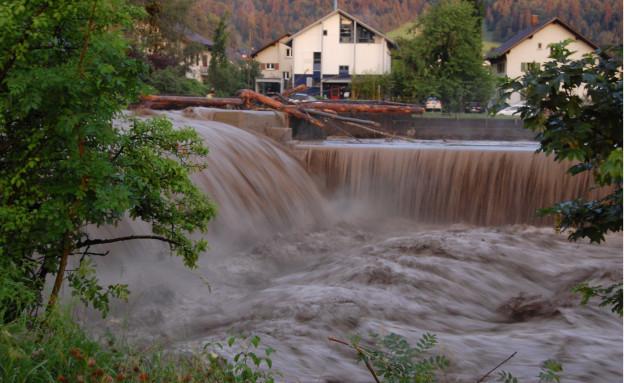 Hochwasser und Schwemmholz an der Zulg im Juni 2015.