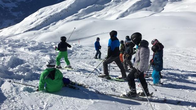 Kinder können im Skilager viele wertvolle Erfahrungen sammeln.