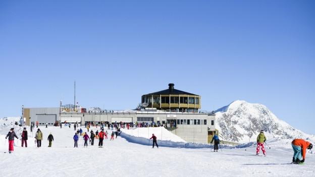 Skifahren wird in Saas-Fee wieder mehr kosten.