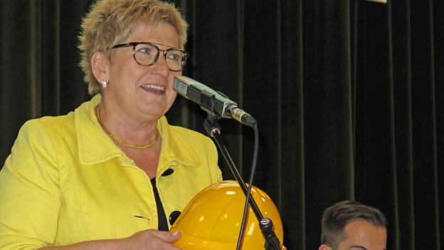 Ob Beatrice Simon den Helm im Wahlkampf braucht?
