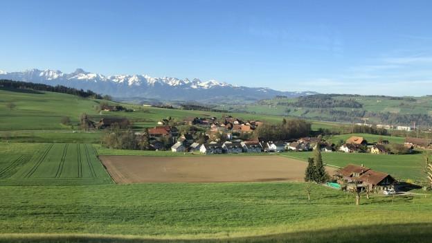 Blick auf Gemeinde Tägertschi
