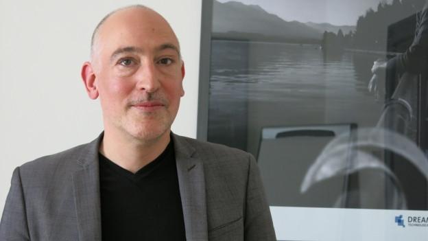 Nicolas Mayencourt raubt ganz legal Banken aus. Er ist professioneller Hacker.