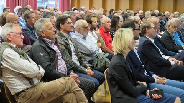 An der Informationsveranstaltung in Visp gab es etliche kritische Stimmen.