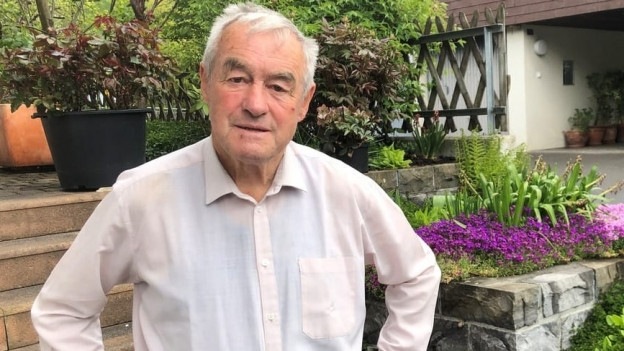 Werner Steiner in seinem Garten