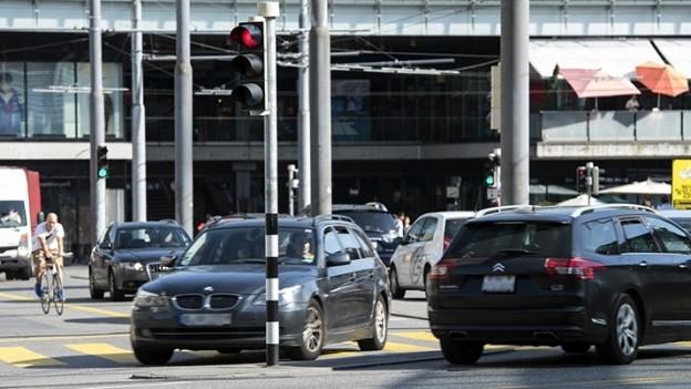 Der Gemeinderat will vor allem das Autofahren in der Stadt Bern unattraktiv machen.