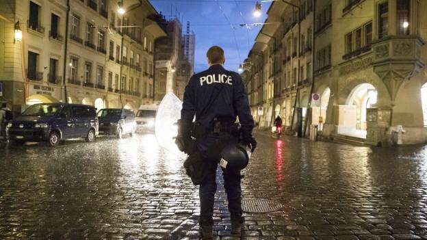 Vorerst 170 statt 360 neue Stellen bei der Kantonspolizei bewilligt.